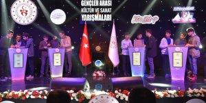 """Diyarbakır'da """"Gençler Arası Kültür ve Sanat Yarışmaları Grup Finalleri"""""""