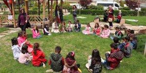 """""""Cümbür Cemaat Festivali"""" çocukların yüzünü güldürdü"""