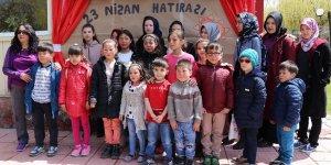 23 Nisan'ı mülteci çocuklarla birlikte kutladılar
