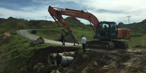 Sason ve Kozluk'ta köy yollarında onarım