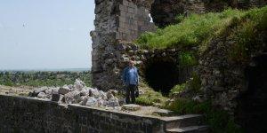 VİDEO - 5 bin yıllık tarih yıkılıyor, yetkililer izliyor!