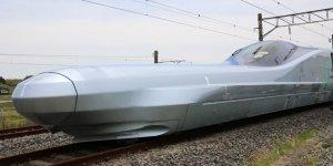 Dünyanın en hızlı treni test ediliyor