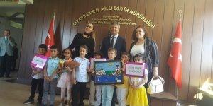 Diyarbakırlı öğrenciler Milli Eğitim Müdürü Taşçıer'i ziyaret etti