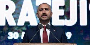 Adalet BakanıGül'den reformaçıklaması