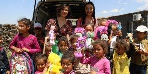 Diyarbakırlı köy çocuklarına bayram hediyesi