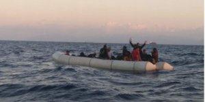 İzmir'de 35 kaçak göçmen yakalandı