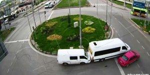 Trafik kazaları polis kamerasına yansıdı
