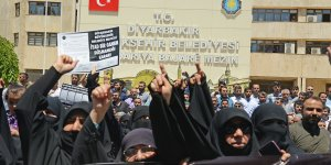 Diyarbakır'daki İslami STK'lardan 'tabela ve cami' protestosu