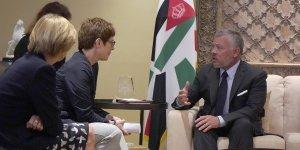 II. Abdullah, Almanya Savunma Bakanı Leyen ile görüştü