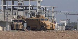 Zırhlı araçlar Güvenli Bölge için Akçakale'de