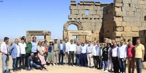 VİDEO- Ticaret Odası'ndan tarihi Zerzavan kalesine çıkarma