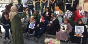 HDP önündeki eylem: Çocuklarımız gelsin