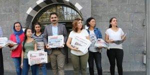 Eşbaşkanlardan Sur'da gazete dağıtımı