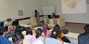 Tıp fakültesi öğrencilerine 'intihar ve farkındalık' semineri
