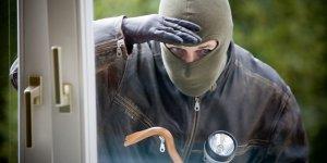 Van'da hırsızlık zanlılarına tutuklama