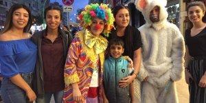 VİDEO - Cam silen çocuğa doğum günü sürprizi