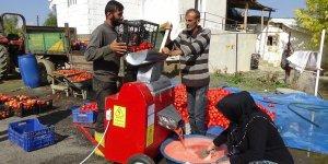 Muşlu çiftçi satamadığı domatesi salça yaptı