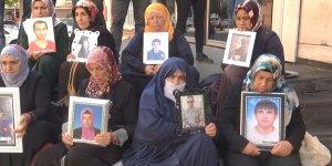 HDP önündeki ailelerin eylemi devam ediyor