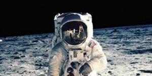 Ay'a gönderilecek iki astronottan en az biri kadın olacak