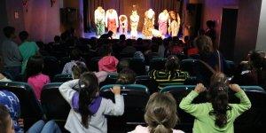 Sur Belediyesinden köy çocuklarına tiyatro etkinliği