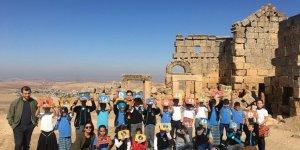 Öğrencilerden Zerzevan Kalesi gezisi
