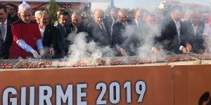 VİDEO - Yöresel lezzetler fuarına Diyarbakır ciğeri damga vurdu!