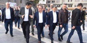 Antalya  Belediye Başkanı Böcek Diyarbakır'a hayran kaldı