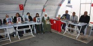 HDP önündeki ailelerin oturma eyleminde 77'nci gün