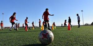 Diyarbakırlı kızların futbol aşkı