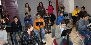Sur'un meclis üyeleri' Çılğınlık Dijital Müze'ye katıldı