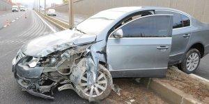 VİDEO - Diyarbakır'da sağanak yağmur kazaya neden oldu: 2 yaralı