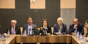 Kürt partilerin temsilcileri: Herkes masadaki yerini alsın