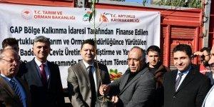 Artuklu'da çiftçilere 46 bin fidan dağıtıldı