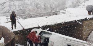 Beytüşşebap'ta minibüs kazası: 5 yaralı