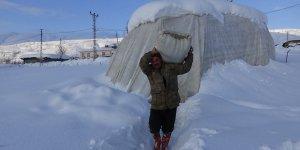 Muş'un dağ köylerinde kar esareti