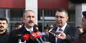 Adalet Bakanı Gül'den eski Nissan CEO'sunun firarıyla ilgili açıklama
