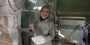 Mardin'deki taş değirmen'de 40 yıl ter döktü