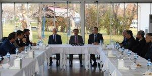 Vali Güzeloğlu, 10 Ocak Çalışan Gazeteciler Günü'nde gazetecilerle buluştu