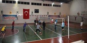 Van Çatak'ta 5. geleneksel voleybol turnuvası