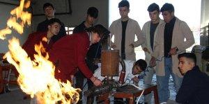 VİDEO - Diyarbakırlı öğrencilerden itme kuvvetli LPG'li jet motoru