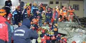 AFAD: Depremden sonra hastanelere başvuru 1556, can kaybı 31