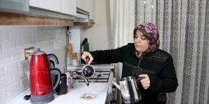 Elazığ depremzedesi Azize Çelik'in evine kavuşma sevinci