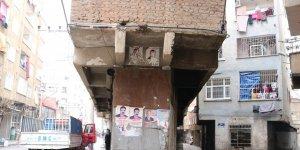VİDEO - Diyarbakır'da bir garip bina