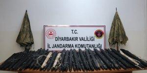 VİDEO - Diyarbakır Lice'deki operasyonda termal şemsiyeler ele geçirildi