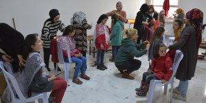 Şanlıurfa'da kuaför adaylarından kırsaldaki öğrencilere ücretsiz saç bakımı