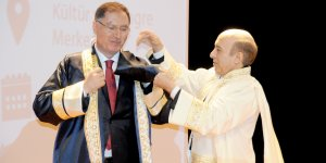 Malkoç'a Diyarbakır'da fahri doktora unvanı verildi