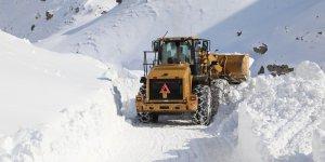 5 metre karda zorlu çalışma