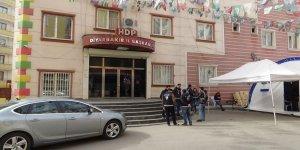 HDP önündeki ailelerin evlat nöbeti 186'ncı gününde
