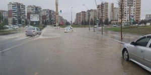 VİDEO - Diyarbakır'da sağanak yağış