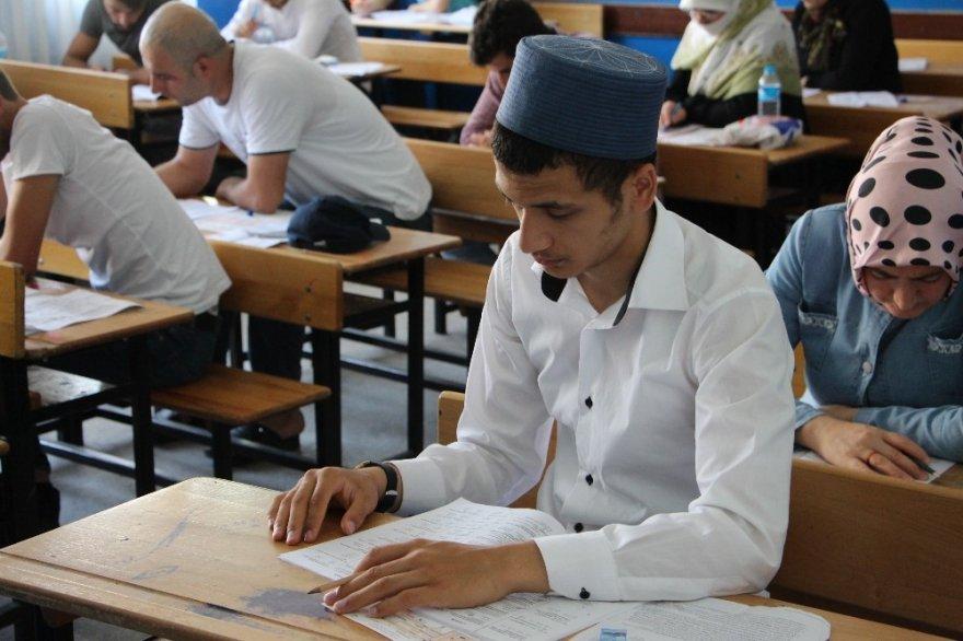Açık Öğretim Lise Sınavı Yapıldı